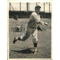 1935 Press Photo Charley Root, pitching star of the Chicago Cubs - sbs06546