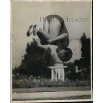 1929 Press Photo Helen Patch of Los Angeles Gymnast Somersault - neo09960