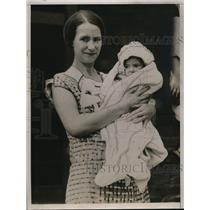 1935 Press Photo Mrs Gus and Baby Geo - neo10004