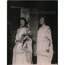 1921 Press Photo Bertha May Graf & Mary Thissell of National Women's Party
