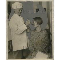 """1927 Press Photo James Zidlchy, Elected """"Doctor"""" in Warren School Health Class"""
