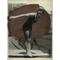 1923 Press Photo Helen Brisco Interscholastic Diver of New York - neo24193