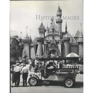 1959 Press Photo Sleeping Beauty's enchanted castle at gateway to Fantasyland