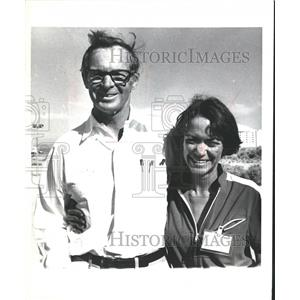 1980 Press Photo Paul MacCready and Janice Brown with the Gossamer Penguin