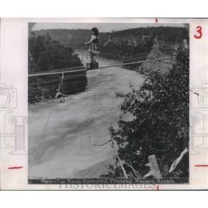 1876 Press Photo Signorina Maria Spelterini Crosses Niagara Rapids on High Wire