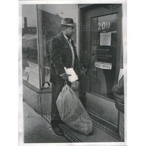 1968 Press Photo Montrose Postal Station Robbed - RRU77549