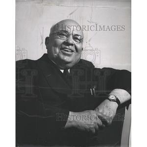 1952 Press Photo James Sweinhart Detroit News Writer - RRW28239