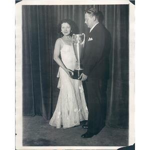 1930 Press Photo Chicago IL Singer Bernadine Hayes Queen of Radio - ner12799