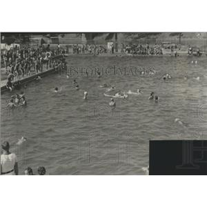 1940 Press Photo Swimming at McCormick Island, Missoula Montana - spa87634