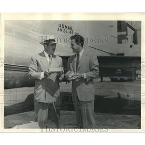 1947 Press Photo L. P. Cookingham with Billy Gilbert, Jr., in front of Plane
