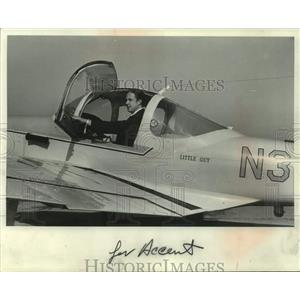 """1970 Press Photo Edward L. """"Ted"""" Stowe on his Meyers 145 aircraft, """"Little Guy"""""""