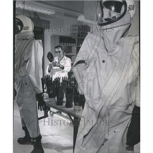1966 Press Photo Rubber Glove - RRU80975