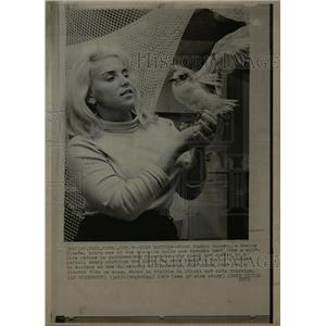 1969 Press Photo Joanna Burger Holds Franklin Gull - RRW13457