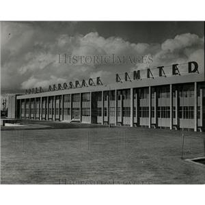 1965 Press Photo Poter Aerospace In Ireland - RRX79641