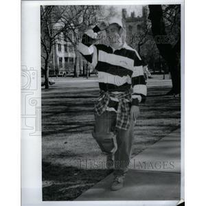 1994 Press Photo California campus fashion Phat Farm - RRX60805