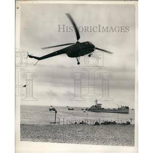 "1956 Press Photo Demonstration Runaground""Marine - Army - Naval and Air Force"""