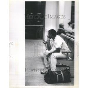 1991 Press Photo O'Hare International Airport Passenger - RRU80931