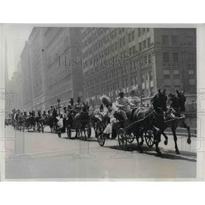 1941 Press Photo Easter Circus parade on Park Avenue in NYC