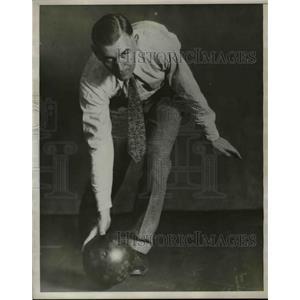 1930 Press Photo Walter Ward, Bowler