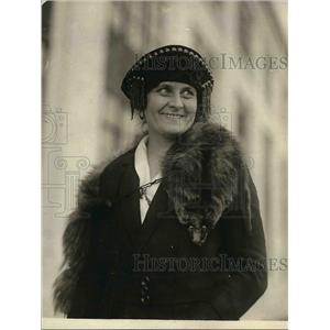 1921 Press Photo Mme. Seri Hard journalists in Stockholm Sweden