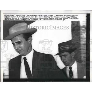 1936 Press Photo Activist John Kasper entered U.S. Court House in Federal Court.