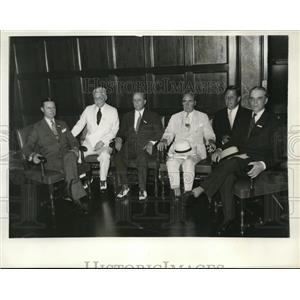 1932 Press Photo American Business Execs Talk Great Depression Banking Crisis
