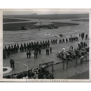 1938 Press Photo Round the world flight lands at NY Floyd Bennett field