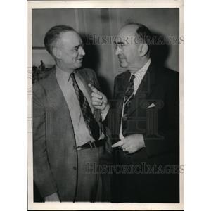 1944 Press Photo Dean William H. Spencer host Judge Charles M. Hay - nec96415