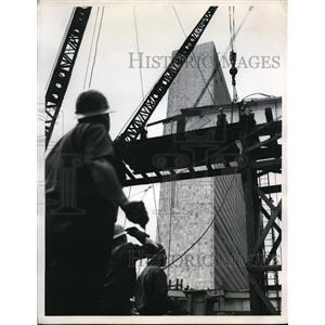1951 Press Photo US Steel Corp construction at UN HQ bldg in NY - ned08060