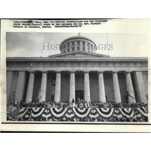 1975 Press Photo Lt. Governor Richard Celeste Ceremony at Ohio Capitol