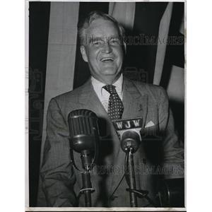1947 Press Photo Bruce Barton speaker at the community chest