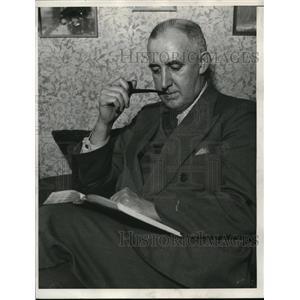 1933 Press Photo Raymond Moley on Christmas Day