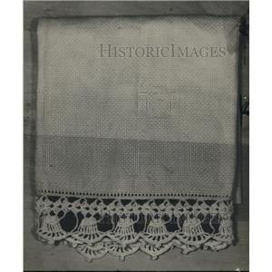 1920 Press Photo Crocheted Towel Edge