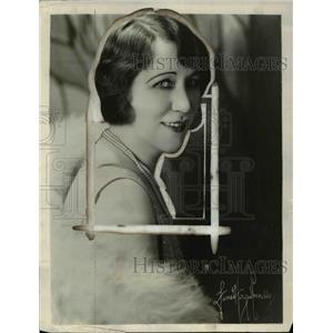 1916 Press Photo Florence Morre a singer for performance