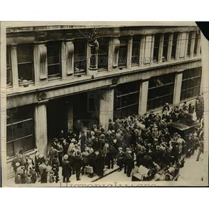 "1930 Press Photo Police  raid ""Red: Offices on London on May Day."