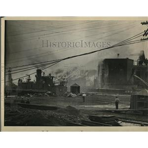 1922 Press Photo Fire at the Locust Point