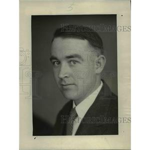 1924 Press Photo Phillip Julian Sinnott, Chief, Coach Bureau, NEA