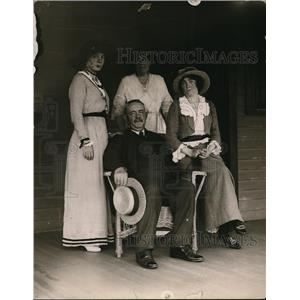 1913 Press Photo Judge Edward McCall and family
