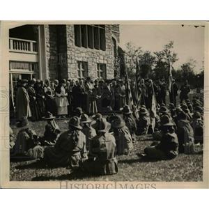1919 Press Photo Gov Alfred Smith of NY & Girl Scouts of Westchester County
