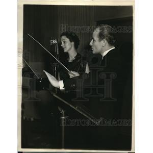 1936 Press Photo Wanda Hart Soloist on Colonel Stoopnagle and Budd Inc. Radio