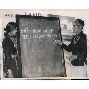 1940 Press Photo Navajo Indians to learn English, Chicago Illinois - nex58249