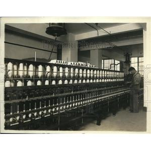 1920 Press Photo Cotton twisting machines atBureau of Standards testing