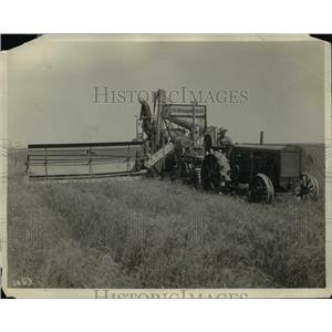 1931 Press Photo Harvester Combine Built in Battle Creek, Michigan