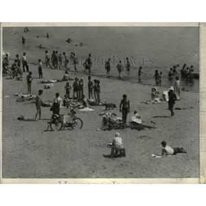1936 Press Photo White city beach