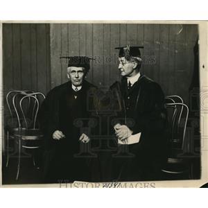 1926 Press Photo Dr. Joshia Penniman of Univ. Penn. Honors Frank B. Kellogg