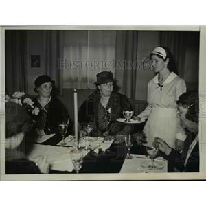 1934 Press Photo First Lady Eleanor Roosevelt Visits Washington Public School