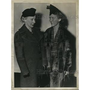1937 Press Photo Ann Erickson and Bernice Christian of Ohio State University
