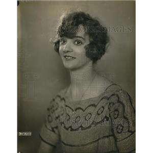 1921 Press Photo Nanny Lock actress