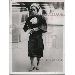 1937 Press Photo Ivy Linden, member of the sister team of variety artists
