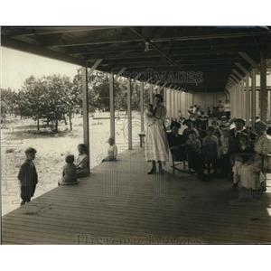 1921 Press Photo Fresh Air camp at Sea Breeze